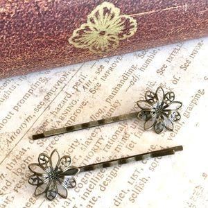 Accessories - Vintage Bronze Flower Bobby Hair Pins
